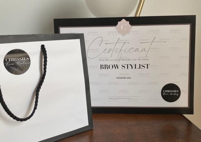 certificaat chrissies brow boutique